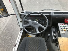 AE23HT Platform Truck